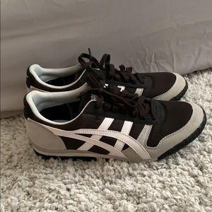 Onitsuka Tiger shoes size 8